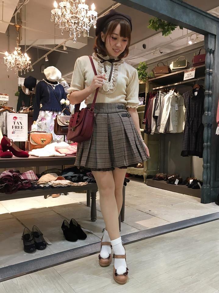 秋天的小店_♡原宿店♡新作キュロット♡秋コーデ♡ | axes femme公式 ショップ ...